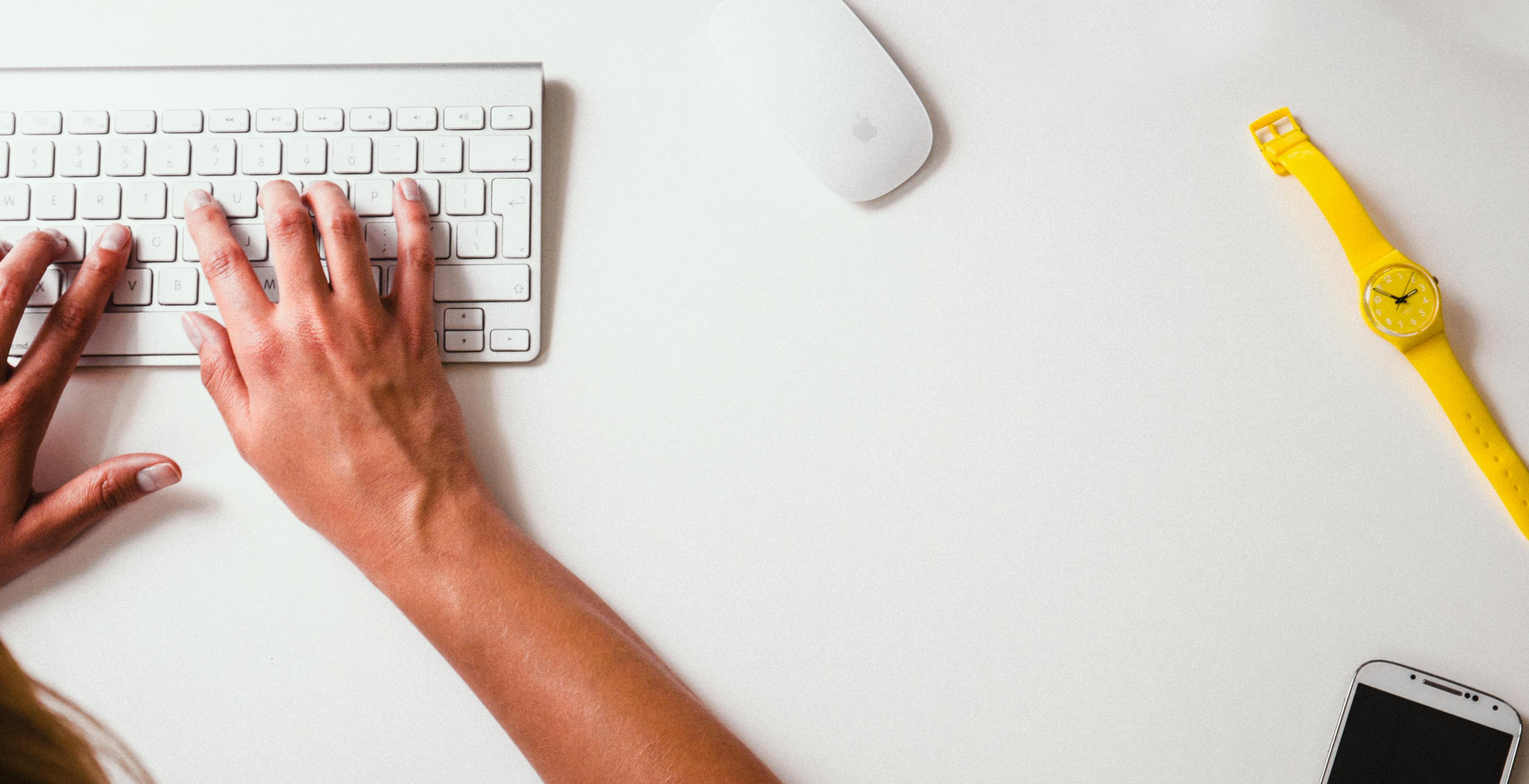 white desk keyboard